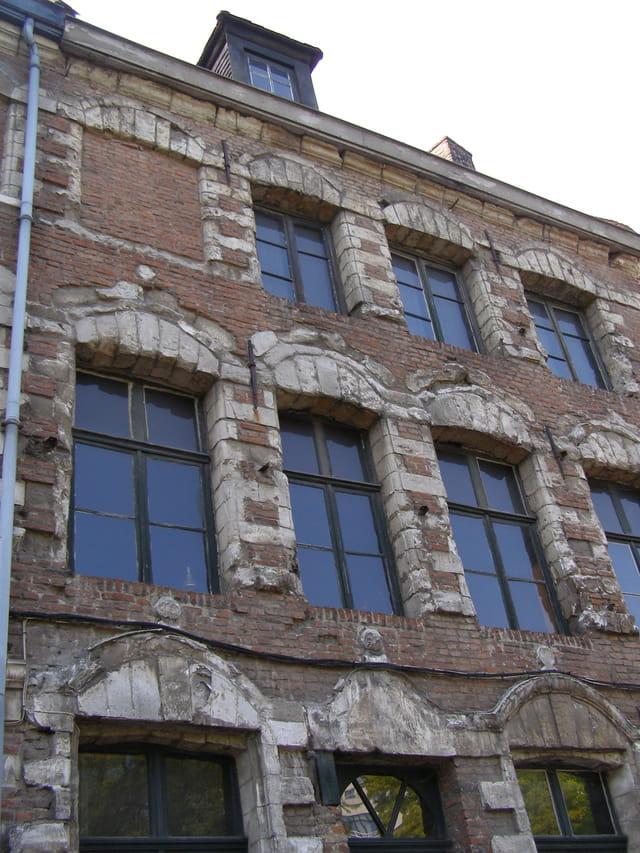 Besoin de restauration cette façade