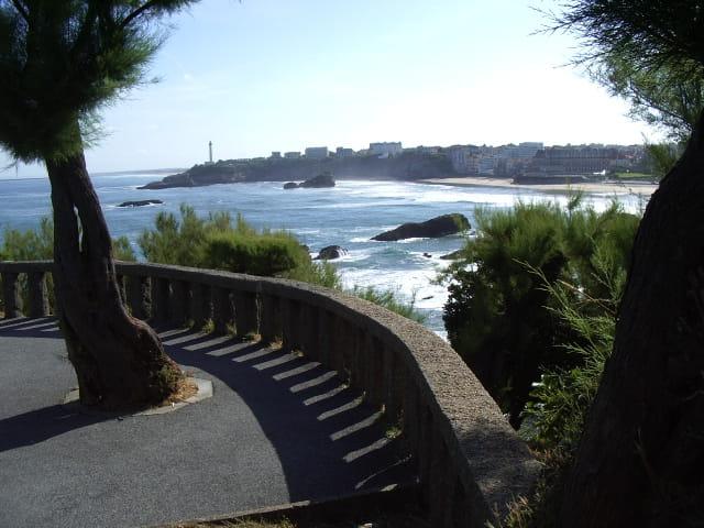 Biarritz se reveille