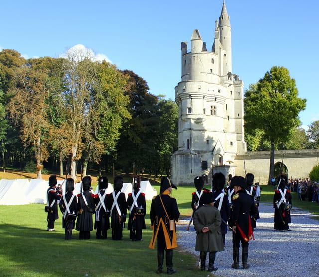 Bicentenaire Napoléon 1er et Marie-Louise : du haut de ce donjon le Moyen-�ge vous contemple