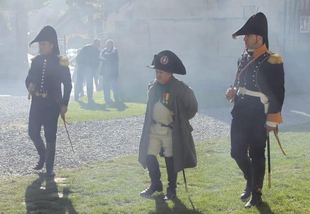 Bicentenaire Napoléon 1er et Marie-Louise : l'Empereur dans la fumée des tirs