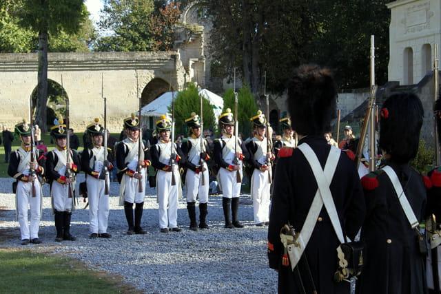 Bicentenaire Napoléon et Marie-Louise : les troupes face à face