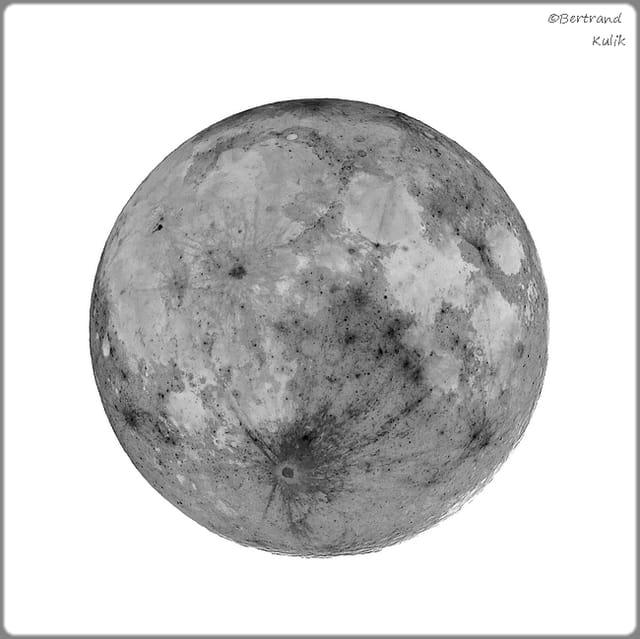 Big moon,an other world