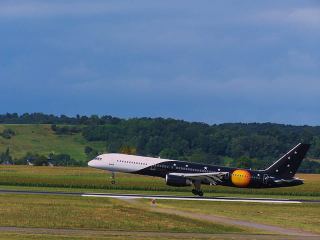 Boeing 757 TITAN Airways.
