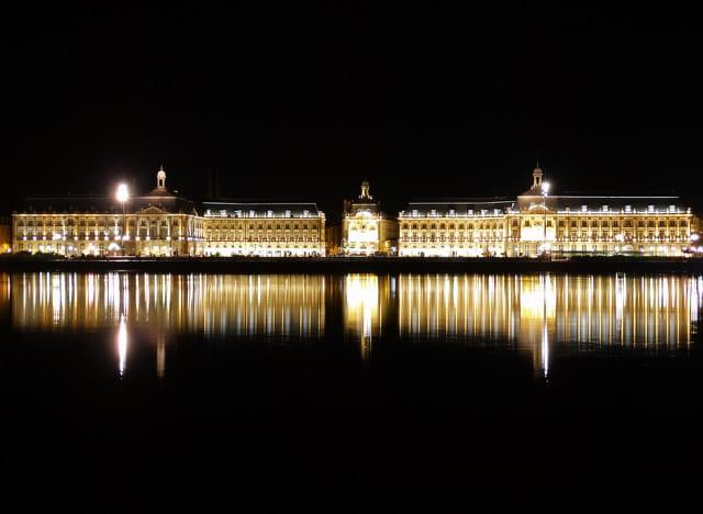 Bordeaux by night 1