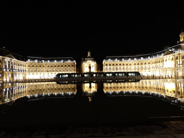 Bordeaux by night 10