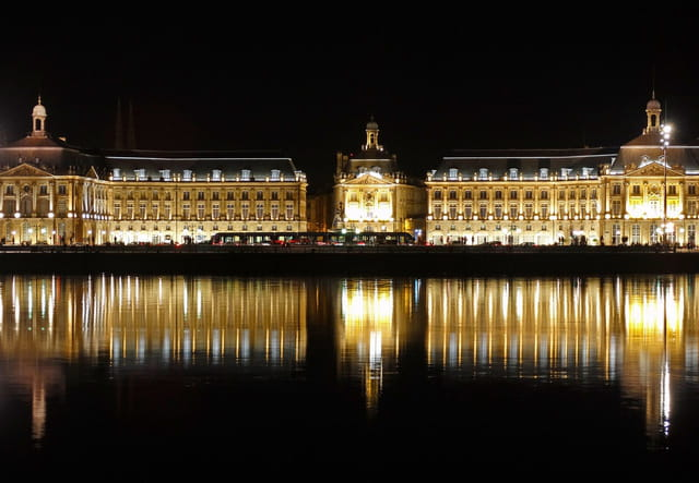 Bordeaux by night 2