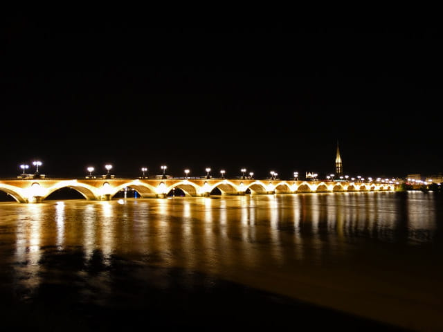 Bordeaux by night 3