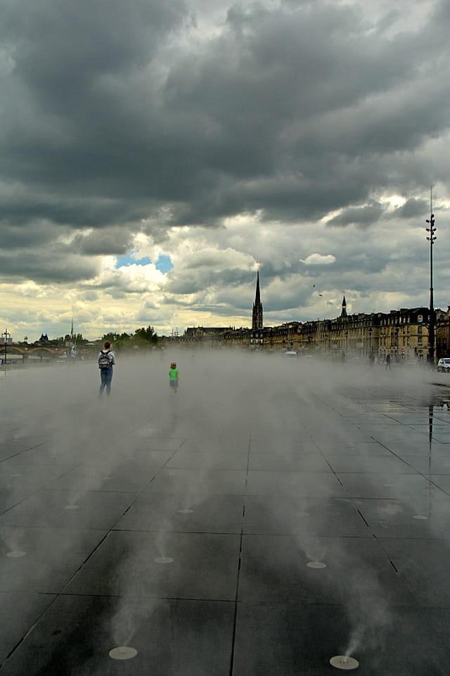 Bordeaux - Effet brouillard (miroir d'eau)