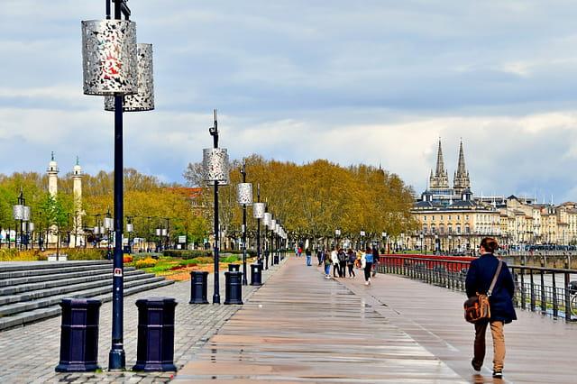 Bordeaux - Quai du Maréchal Lyautey