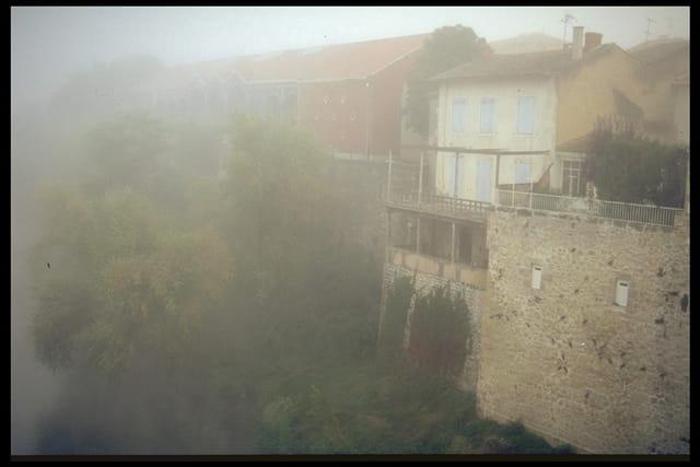 Bords du lot sous le brouillard