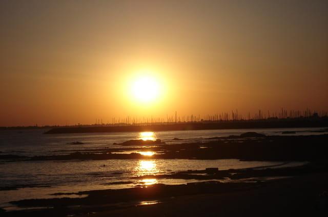 Boule de feu sur la plage de Bonne Source
