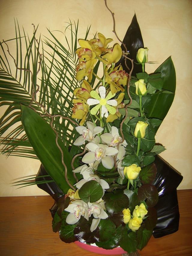 bouquet jaune et vert par jacqueline lacruz epouse martinez sur l 39 internaute. Black Bedroom Furniture Sets. Home Design Ideas