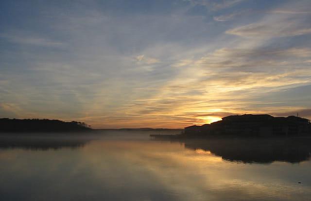 Brume hivernale sur le lac
