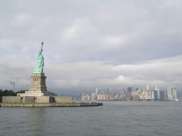 Miss Liberty & Buildings