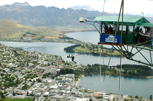 Bungy jumping 1