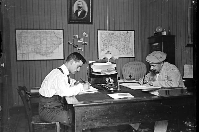 Bureau au 19e siecle