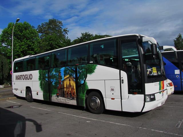 bus d 39 europe lourdes par jean marc puech sur l 39 internaute. Black Bedroom Furniture Sets. Home Design Ideas