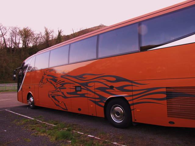 Bus - Europe - LOURDES.