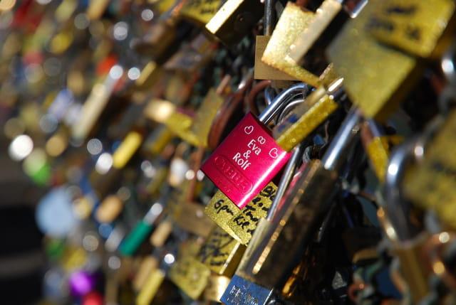 Cadenas de l 39 amour pont des arts paris par andr aumont sur l 39 inter - Le pont de lamour a paris ...