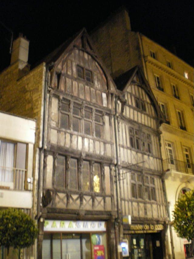 Caen la nuit