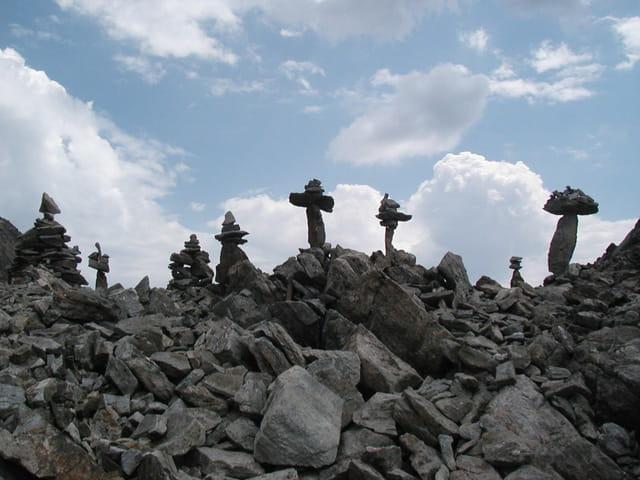 Cairns sous la croix de Belledonne