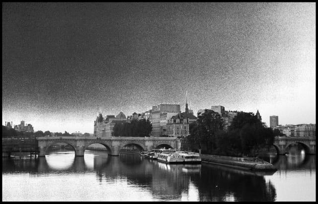 Calme et quiétude au Pont Neuf