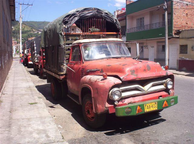camion de livraison par jacques triplet sur l 39 internaute. Black Bedroom Furniture Sets. Home Design Ideas