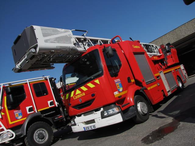Camion de pompiers.