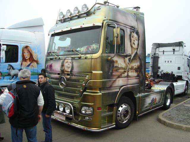 Camion decore 16