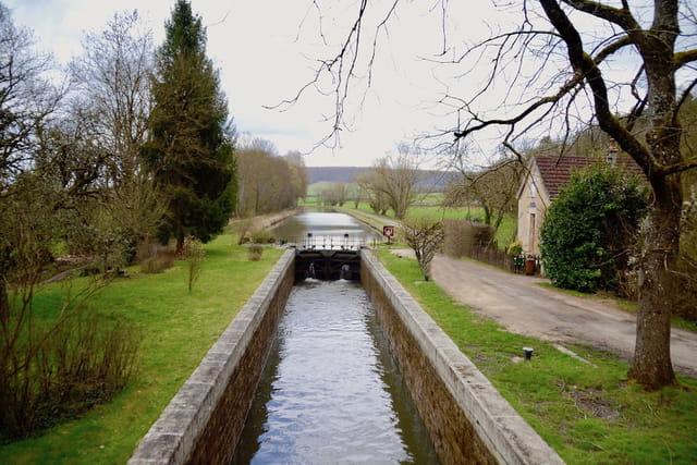 Canal du Nivernais - Ecluse 43 de Cuncy