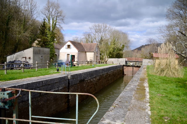 Canal du Nivernais - Ecluse 44 de Chantenot