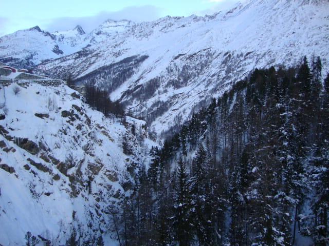 CANTON du VALAIS Vallée à Saas Fee
