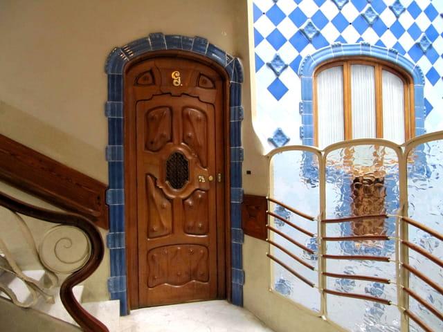 Casa Battlo-Porte sculpte