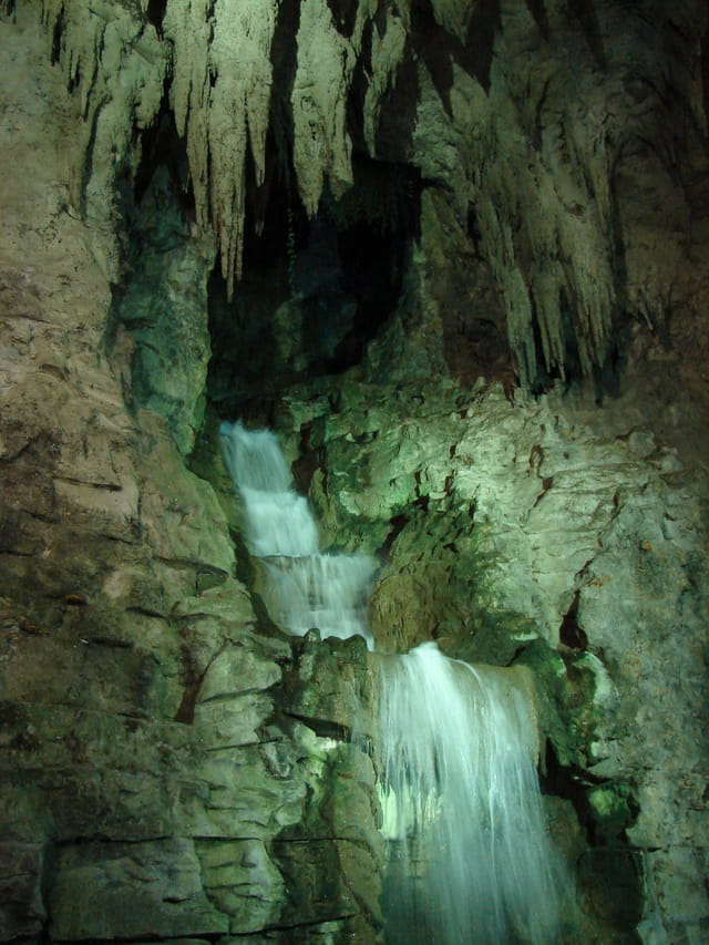 Cascade des Buttes Chaumont