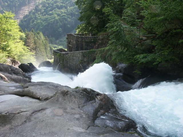 Cascade pont d'espagne