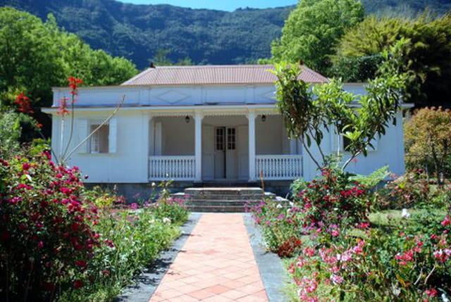 case créole et son jardin
