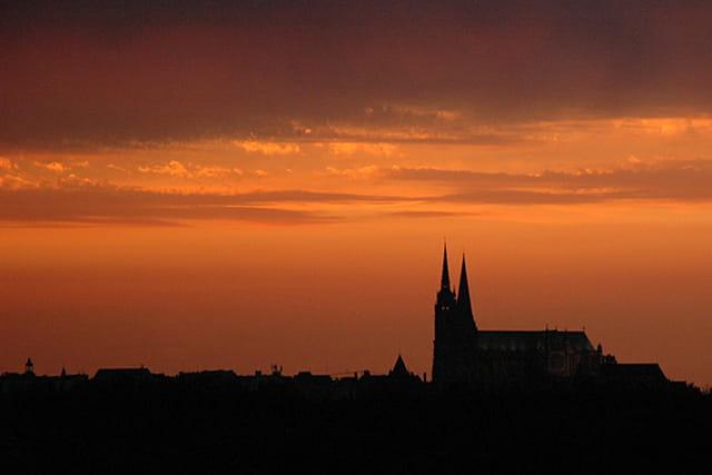 Cathédrale de Chartres avant l'orage