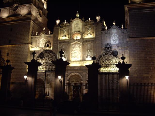 Cathédrale de Morelia de nuit