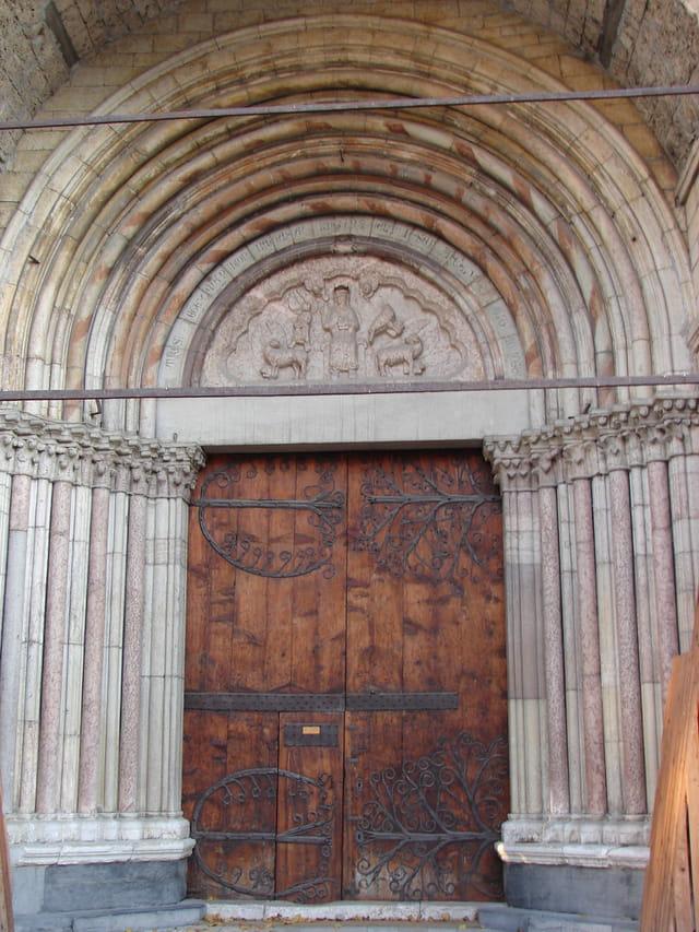 Cathedrale notre dame du réal