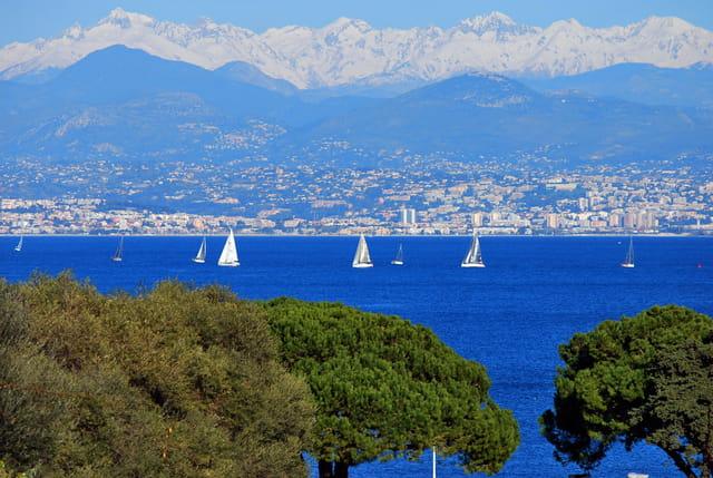 ce matin la Côte d'Azur entre mer et montagnes