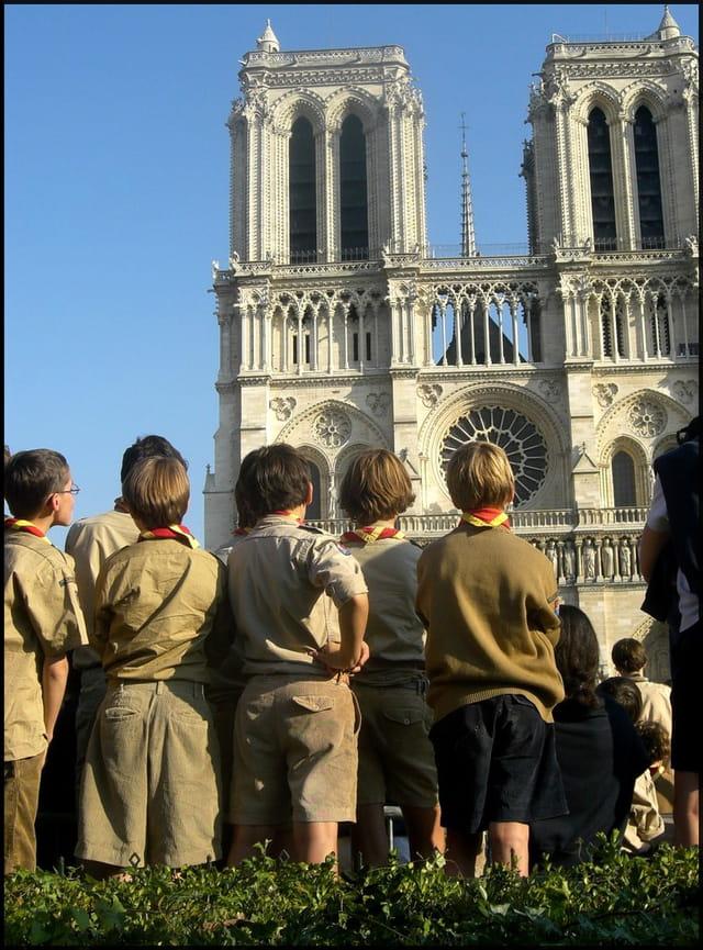 Centenaire du scoutisme à Notre-Dame de Paris