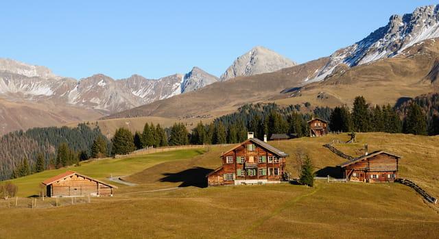 Châlets dans les Alpes Suisse