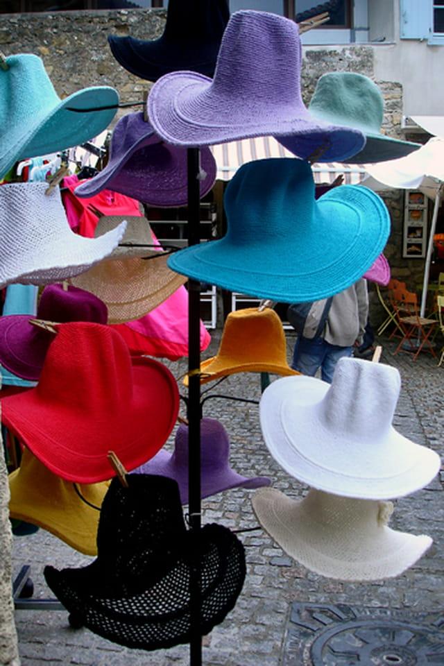 Chapeaux de toutes les couleurs