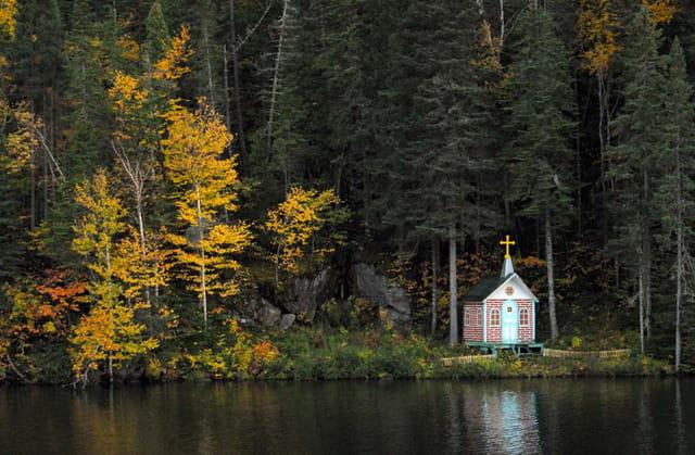 Chapelle au lac