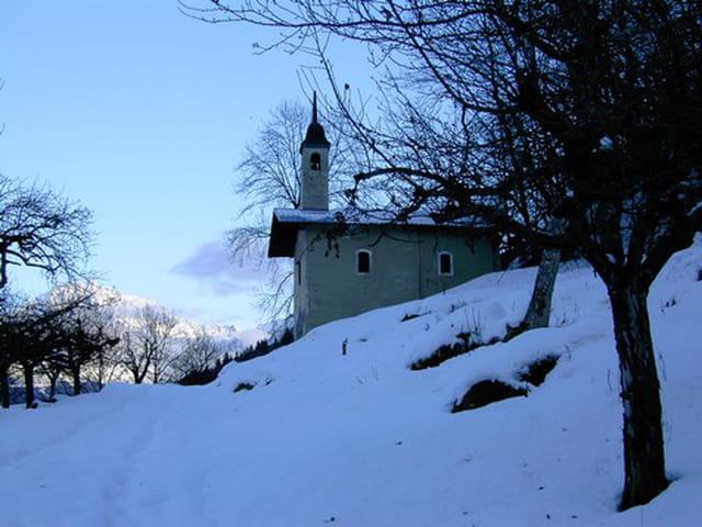 Chapelle baroque en hiver