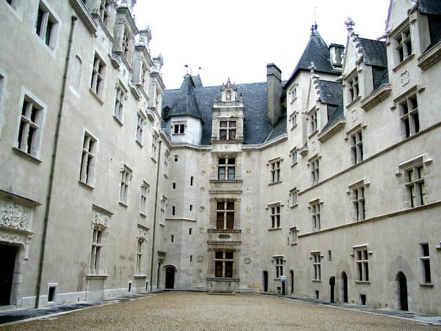 Château - 5