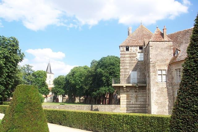 Chateau coté jardin