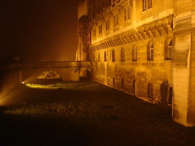 Chateau dans la brume