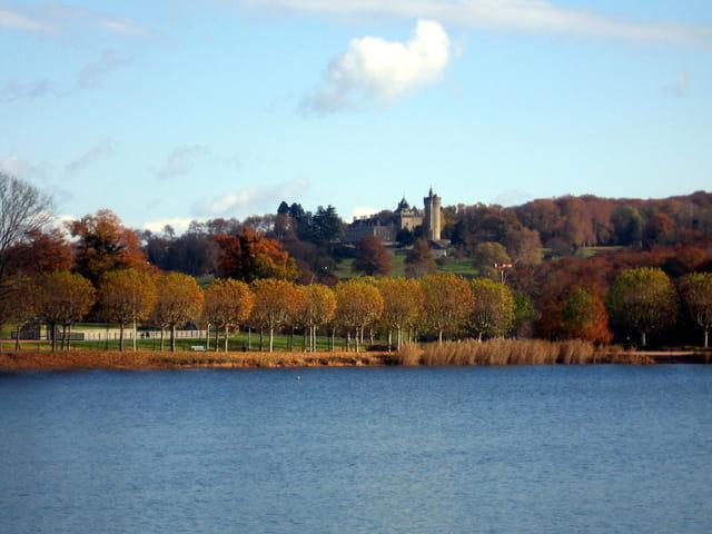 Chateau du Plessis en automne