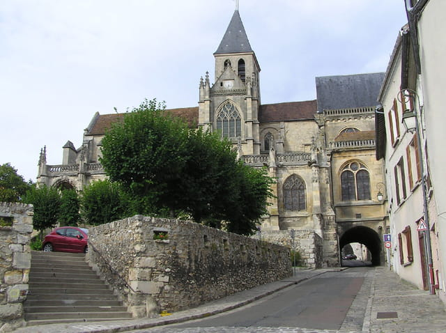 Chemin de l'hautil sous l'église